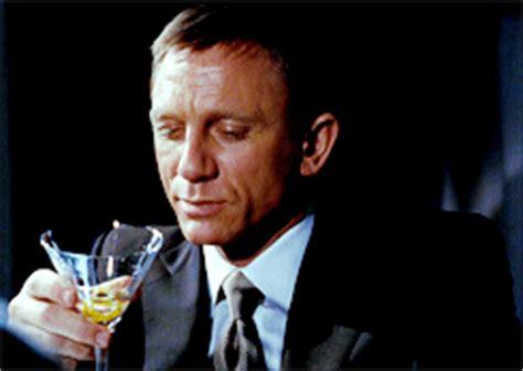 bond martini gif op 233 ration tonnerre 8 preuves que bond n est pas un