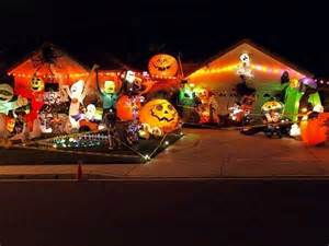 Do It Yourself Home Decors 18 craziest halloween decorated homes across the planet