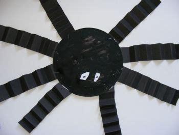 Paper Spider Craft - paper plate spider