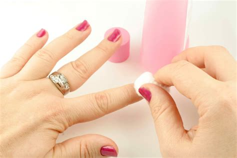Nail Shine Pedi Murah 6 Step s guide to a diy manicure and pedicure clearpoint