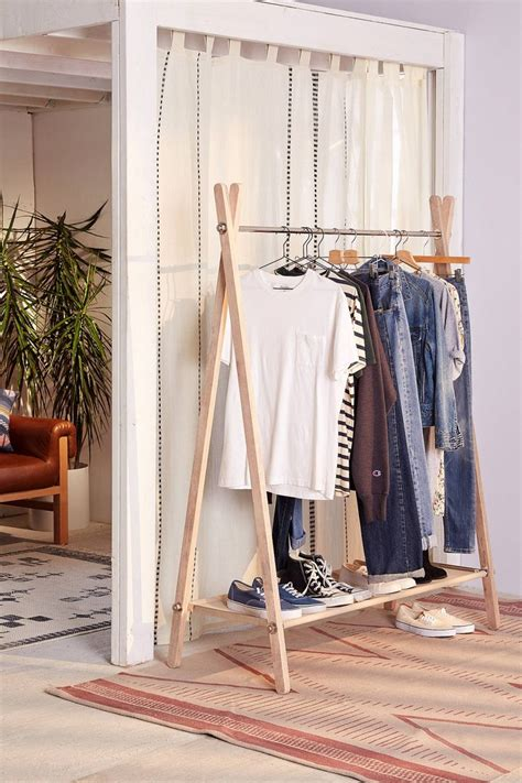 drying clothes in bedroom 25 best ideas about folding clothes rack on pinterest