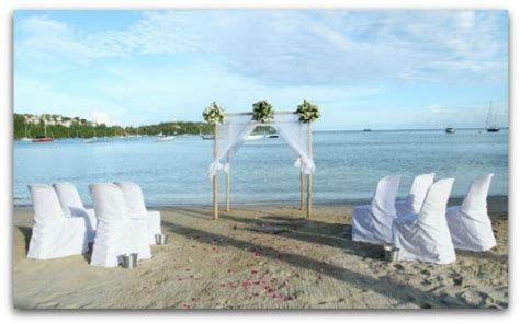 Small wedding ideas in Phuket, Thailand