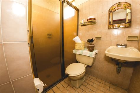 Medium Size Room   Private Bathroom   Big House   Housing BMG