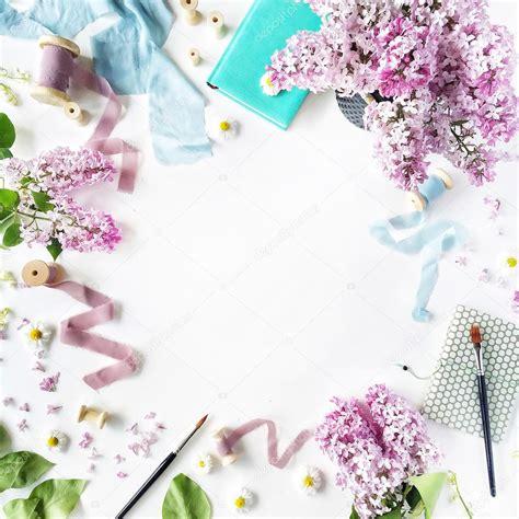 cornice floreale cornice floreale con fiori foto stock 111567644
