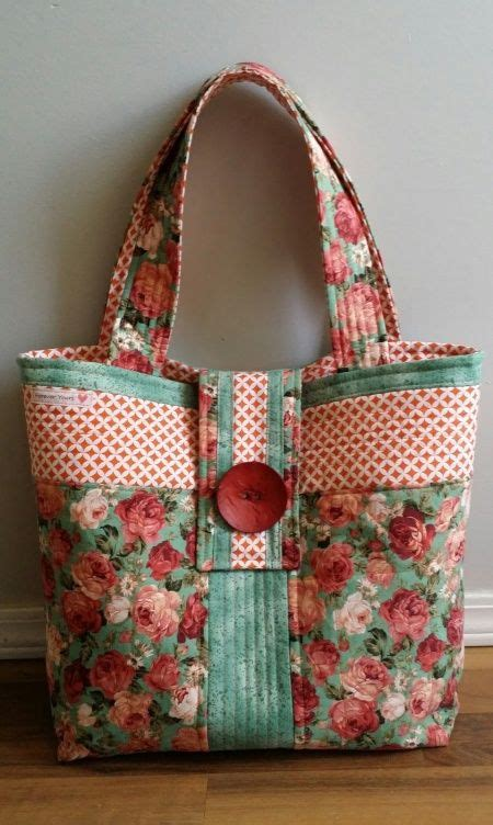 How To Make A Quilt Tote Bag by 1000 Ideas About Quilted Purse On Rag Quilt Purse Rag Quilt And Quilting