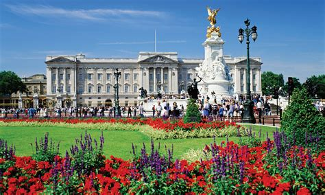 2 Story Houses by Buckingham Palace Escorted Tour 2017 Coach Break