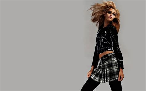 wallpaper girl fashion hairstyles 2011 news hd fashion wallpapers and fashion