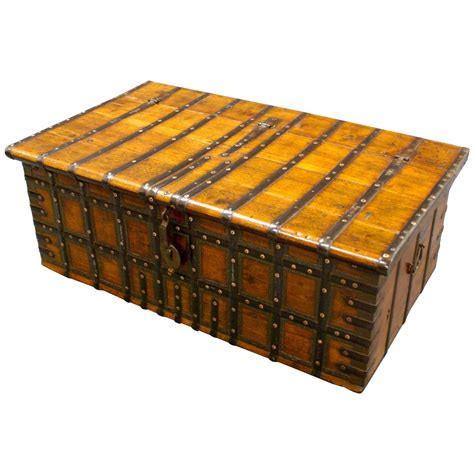 indian trunk coffee table large 18th century indian trunk coffee table at 1stdibs