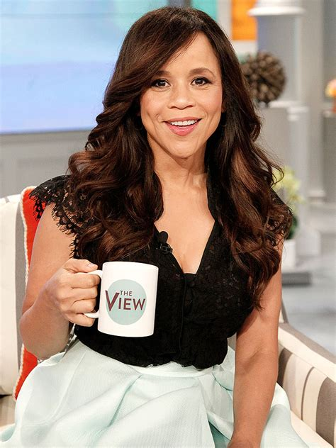 rosie peres wears a good rosie perez on the view actress is not fired abc