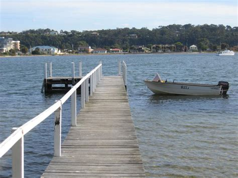 lakes entrance bbq boat hire lakes entrance photos travel victoria accommodation