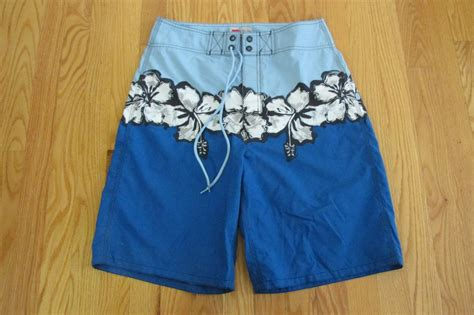 shorts white navy 30 smash mossimo s size 30 shorts blue white navy hawaiian floral swim trunks board nwot