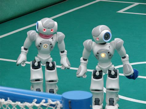 Dribling Robot Soccer Robot what s that robots are invading the world of sport aaahh infinigeek