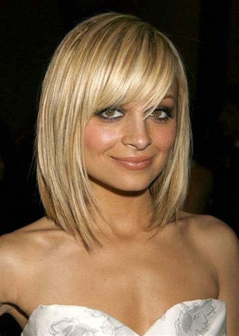 wispy and tapered ends hairstyle the hair is razored into sliced sections with heavily