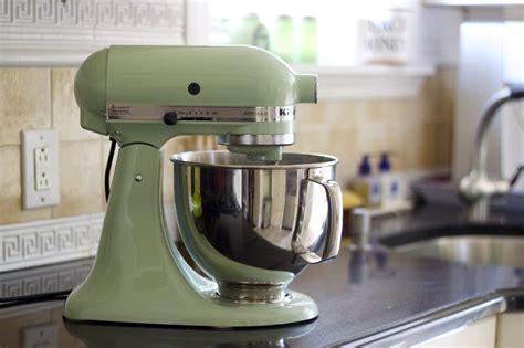 photo pistachio kitchenaid mixer     KitchenAid stand