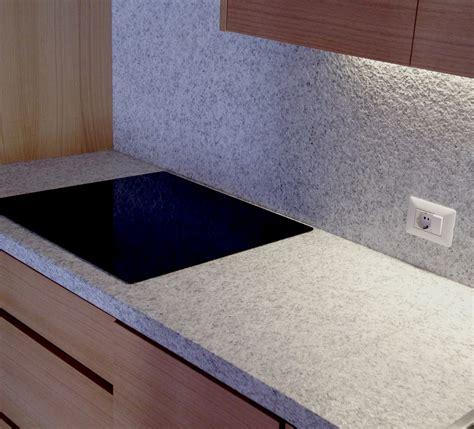 come mettere le piastrelle in cucina tra basi e pensili in cucina lineatre arredamenti