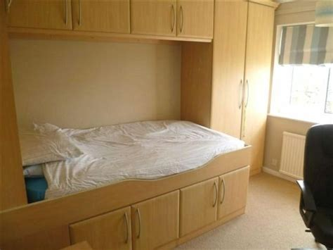 fitted bedroom furniture small rooms small fitted bedroom google search holly s bedroom 18693 | 1038e23dae44a7a3a43ad5690ebba72e