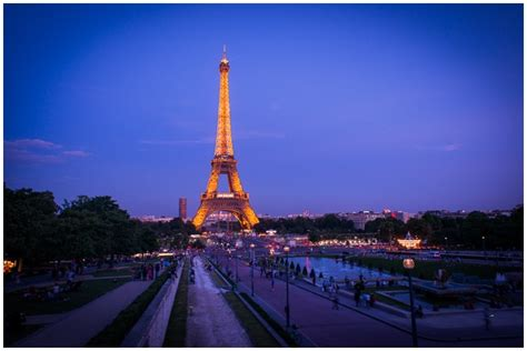 photographs of paris paris pictures eiffel tower by night paris pictures