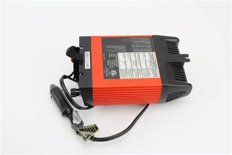 Black Decker 400 Watt Power Inverter Property Room