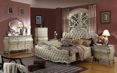 Tufted King Bedroom Set King Antique White Tufted Leather Bed 6 Traditional