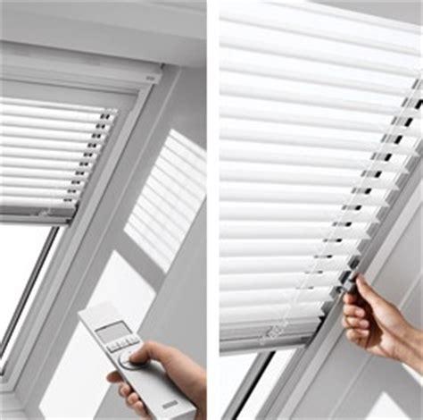 dachfenster jalousie die richtige jalousie f 252 r ihr dachfenster ein 220 berblick