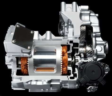 motorul electric nissan leaf primul automobil electric competitiv