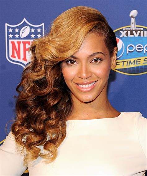 beyonce one sided weaving 15 classy celebrities side swept hairstyles for all face