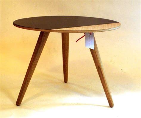 Runder Kleiner Tisch by Kleiner Runder Beistelltisch Bei Pamono Kaufen