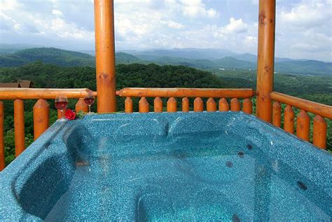 8 amazing pigeon forge cabins near dollywood