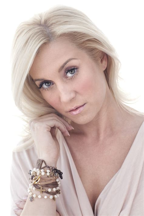 Kellie Kyle Pickler Hairstyle Photos by Best Kellie Pickler Hairstyle 2013