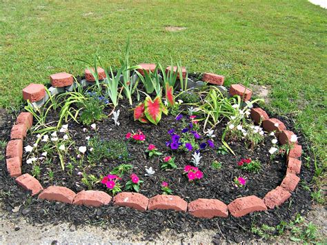 simple flower bed ideas the diy beautiful flower bed designs and plans for your