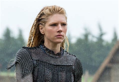 how to hairstyles of viking show women katheryn winnick lagertha s hairstyle in vikings strayhair