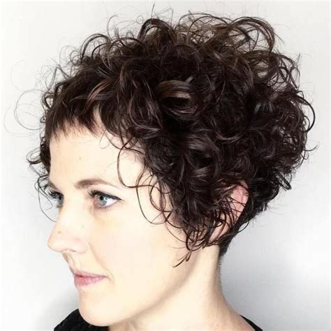hairstyles featuring curls 40 cute styles featuring curly hair with bangs short