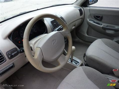 Hyundai Accent 2000 Interior by Beige Interior 2002 Hyundai Accent Gl Sedan Photo