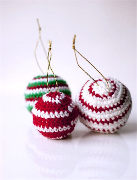 crocheted christmas tree ornaments dining and entertaining