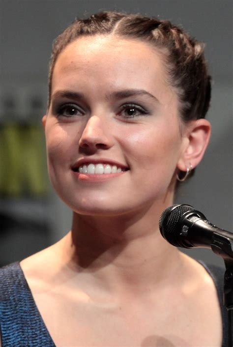 daisy ridley bra size age weight height measurements