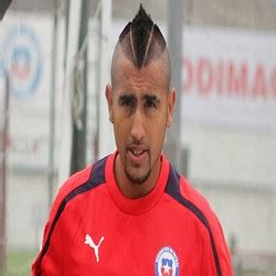 model rambut vidal gaya rambut pemain sepak bola keren terbaru 2017