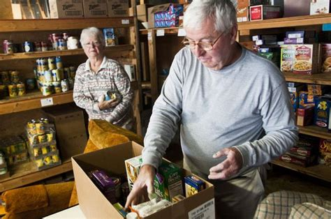 food pantries struggle with empty shelves increased need