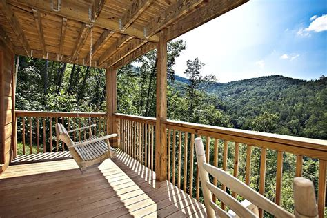 cabin vacation 6 secluded luxury cabins in gatlinburg tn for your