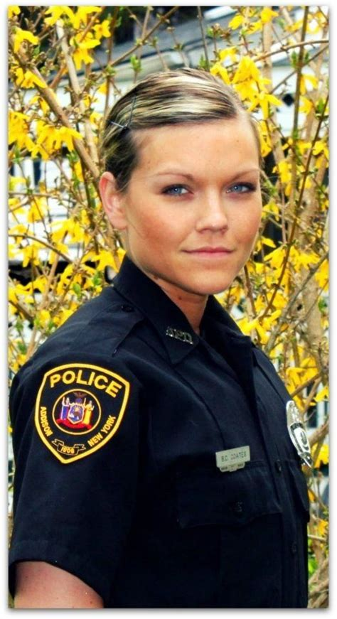 women law enforcement hair styles 37 best images about police women on pinterest soldiers