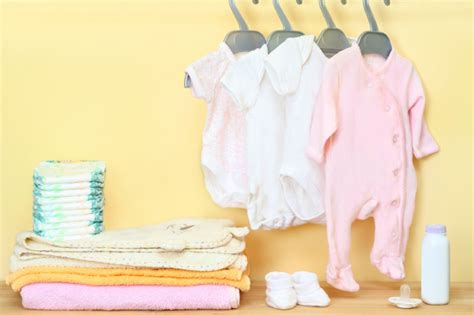Baby Shower Necessities by Where To Register For Your Baby Shower