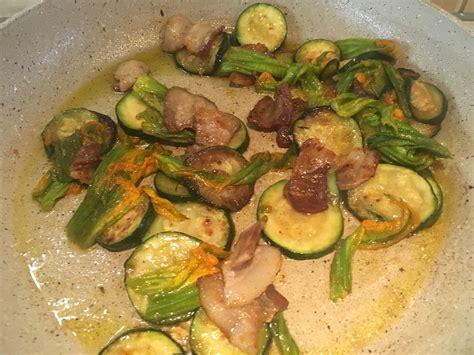riso con fiori di zucca e zucchine risotto zucchine fiori di zucca e pancetta i caserecci