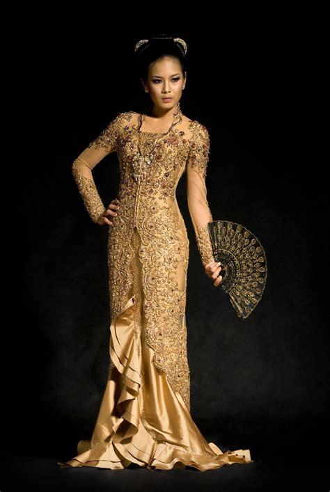 Kebaya Belinda exclusive collection baju batik