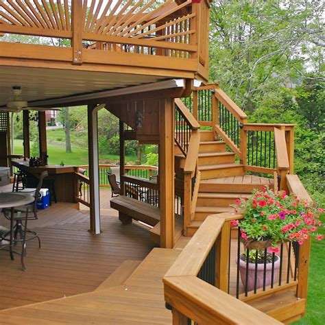 step  custom deck stairs
