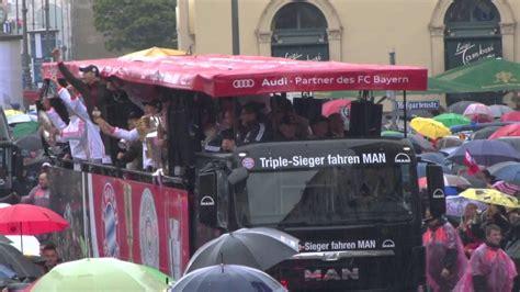 Schweinsteiger Auto by Bastian Schweinsteiger Und Manuel Neuer Beim Auto Korso