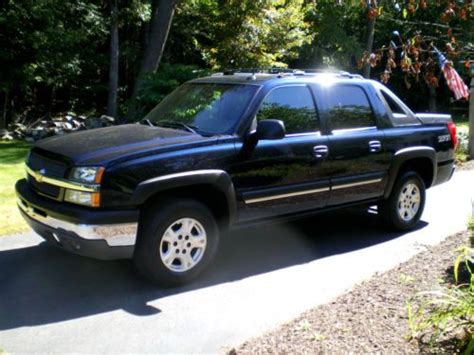 purchase used 2004 chevrolet avalanche 1500 4x4 5 3l gas purchase used 2004 chevrolet avalanche 1500 z71 crew cab pickup 4 door 5 3l in canton
