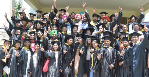 For Mba Students In Chandigarh by 300 Mba Students Awarded Degrees