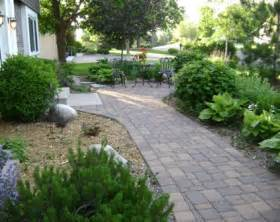 Simple backyard landscaping deal with your small backyard kris