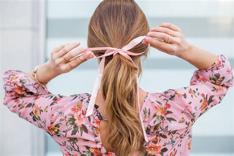 ribbon ponytail three tips for wearing the hair ribbon ponytail trend