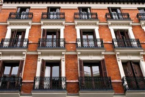 terrazzo aggettante i balconi aggettanti sono parti di propriet 224 esclusiva