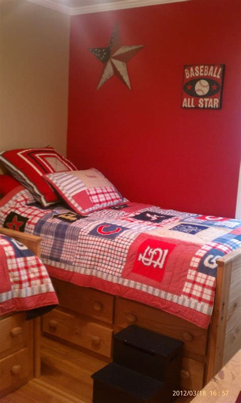 Baseball Bedroom Decorations Best 25 Baseball Bedroom Decor Ideas On Pinterest Boys Baseball Bedroom Baseball Hat Racks